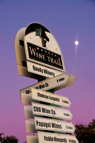 Madera Vintners Association Wine Trail Sign