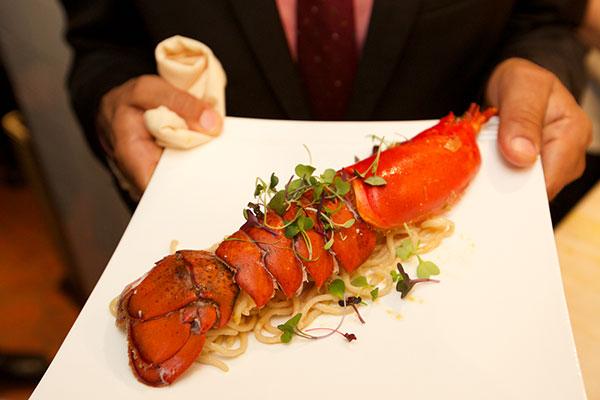helene-an-dinner