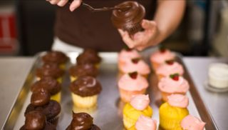 Frosted Cupcakery – Huntington Beach – Spring 2017 – Opening Soon