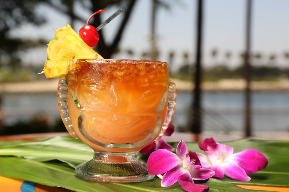 Gladstone's Long Beach Mai Tai