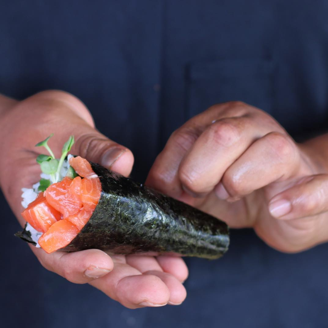 Hand Roll Roe Seafood