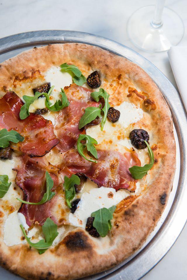 Naples Ristorante e Bar Pizza