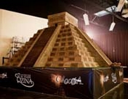 QZINA SPECIALTY FOODS BUILDS THE WORLD'S LARGEST CHOCOLATE SCULPTURE