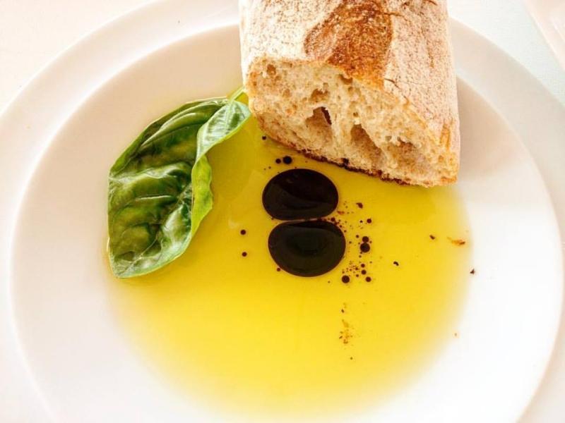 Basil Evoo Balsamic Baker Olive