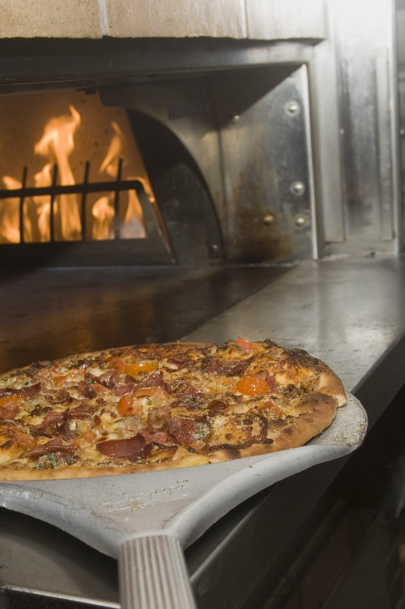 TAPS Fish House Maiale Pizza
