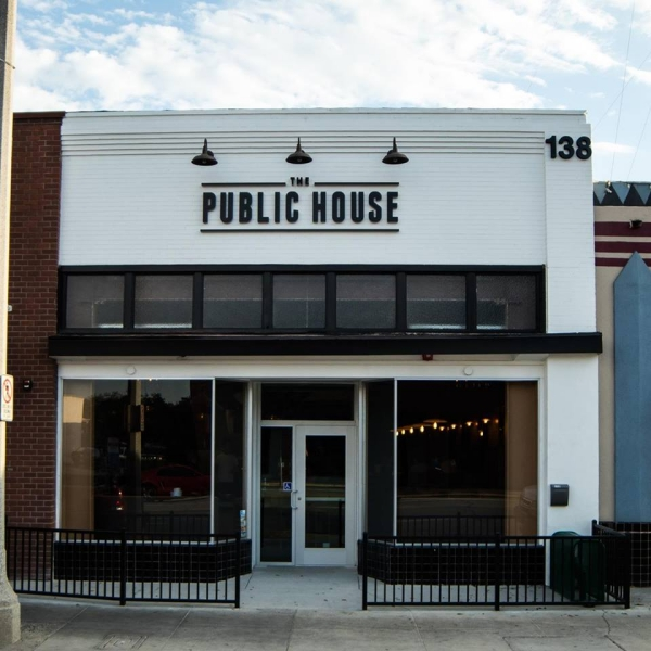 Public House (The) by Evans Brew Co – Fullerton