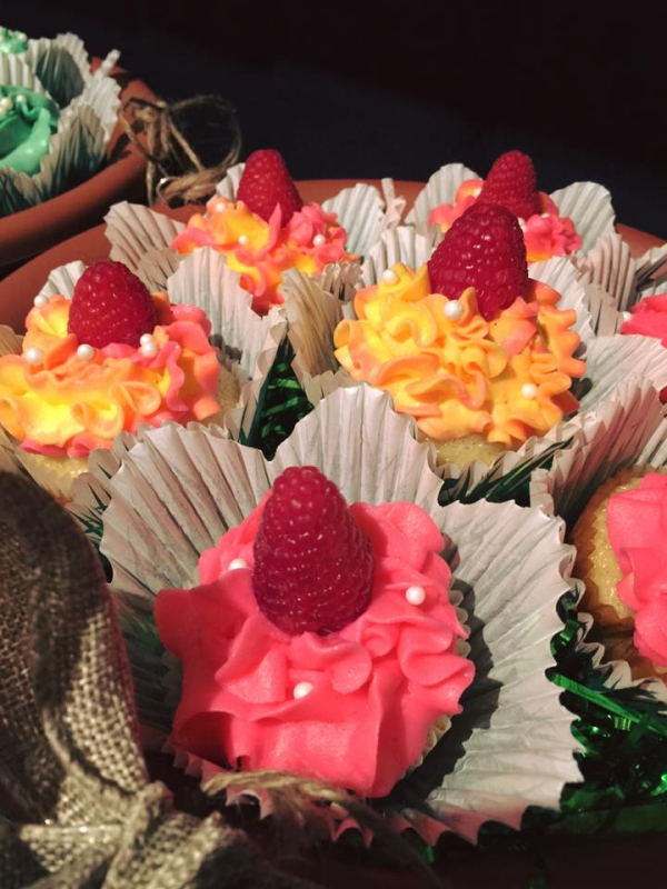 The Sweets Life - Flower cupcakes