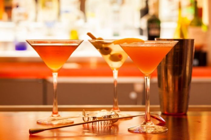 Red Bar Holiday Mixology Classes (2)