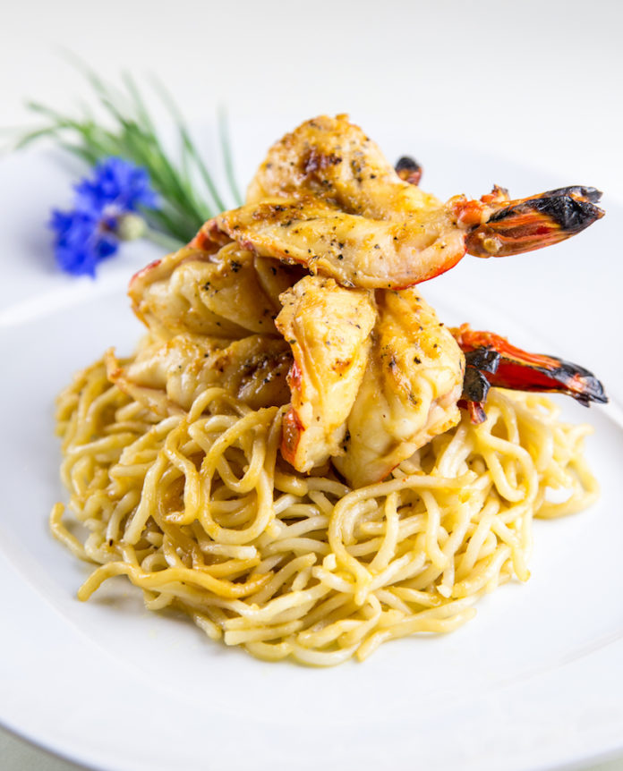 An's Famous Garlic Noodle With Prawns (1)