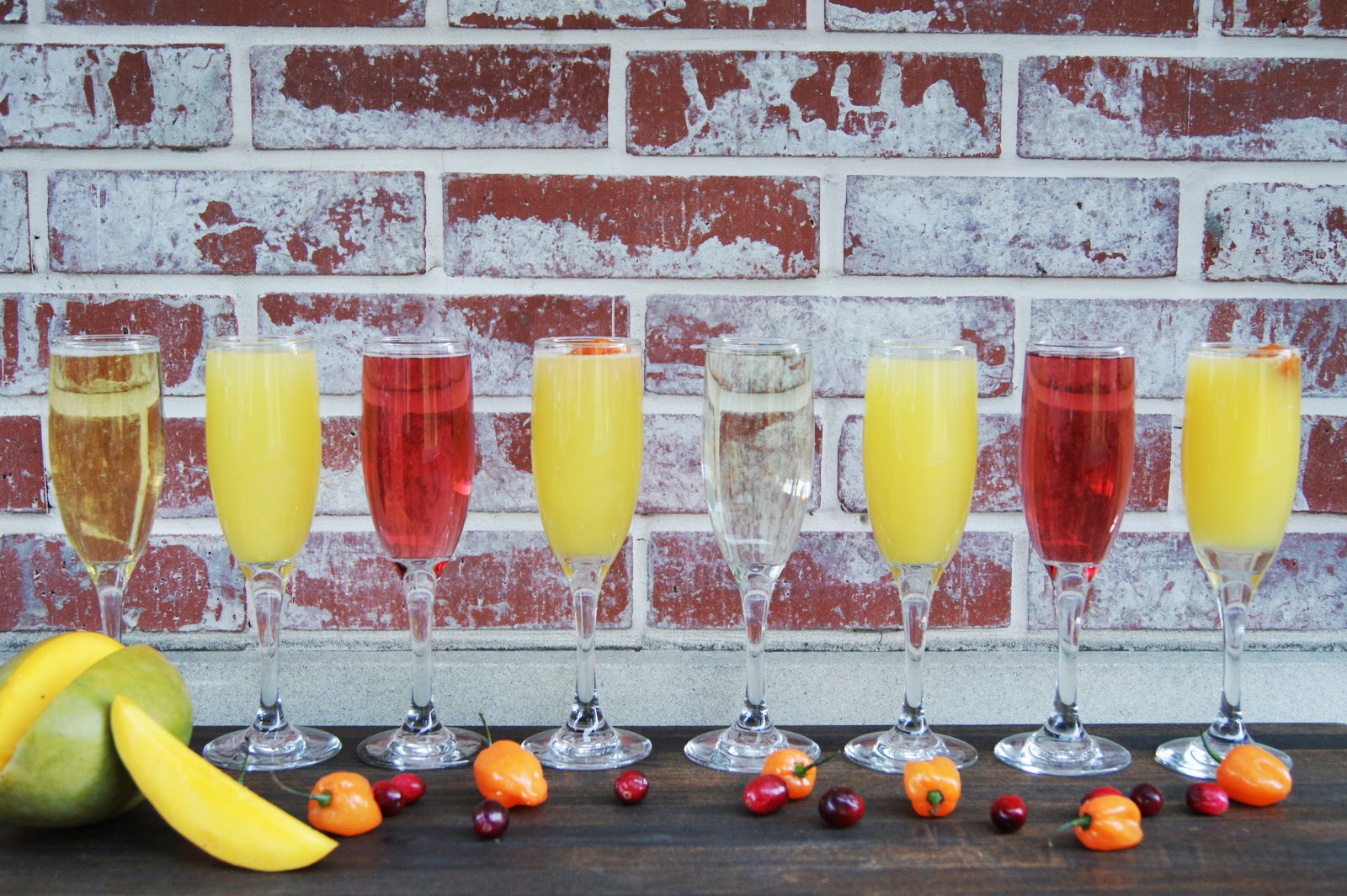 mimosas-lined-up-with-fruit