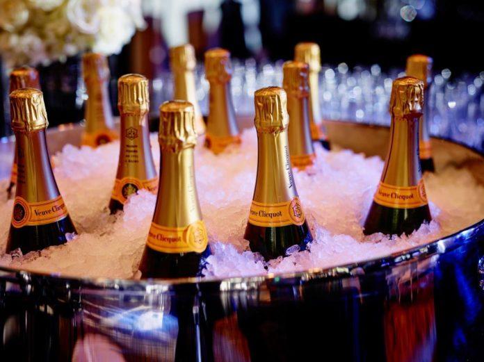 MLB Lifestyle NYE Champagne (1)