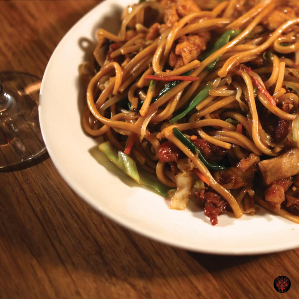 Fortune Cookies Chicken Lo Mein