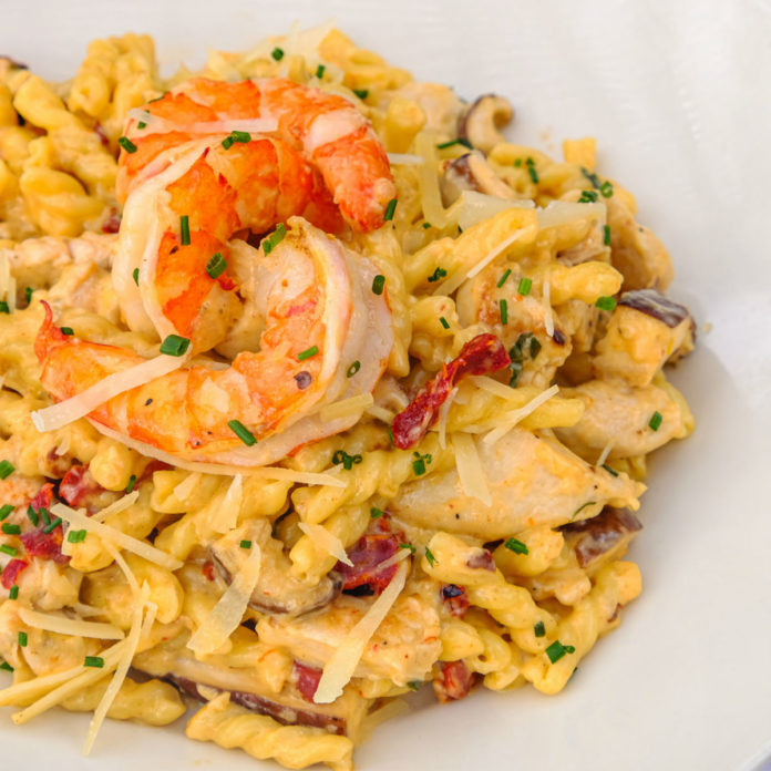 Daily Grill Spicy Shrimp & Chicken Pasta