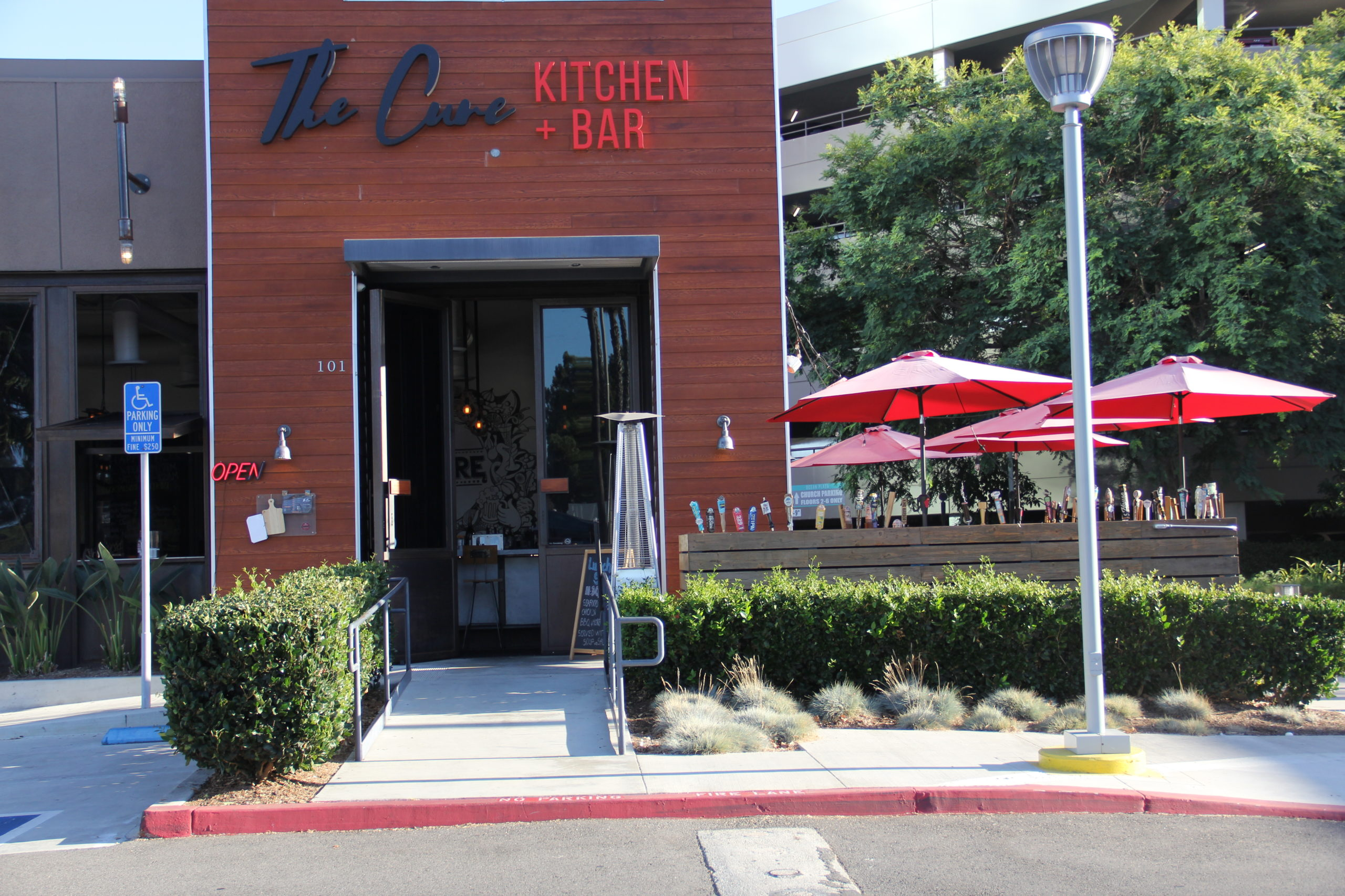 Cure Kitchen & Bar (The) – Huntington Beach