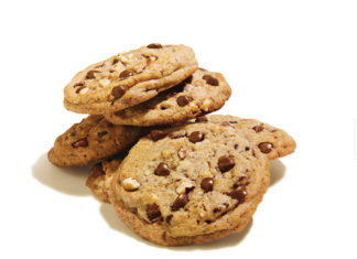 Hotel Maya For The First Time, DoubleTree By Hilton Reveals Official Chocolate Chip Cookie Recipe Multiple Photo (1)