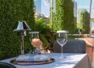 AnQi Outdoor Dining
