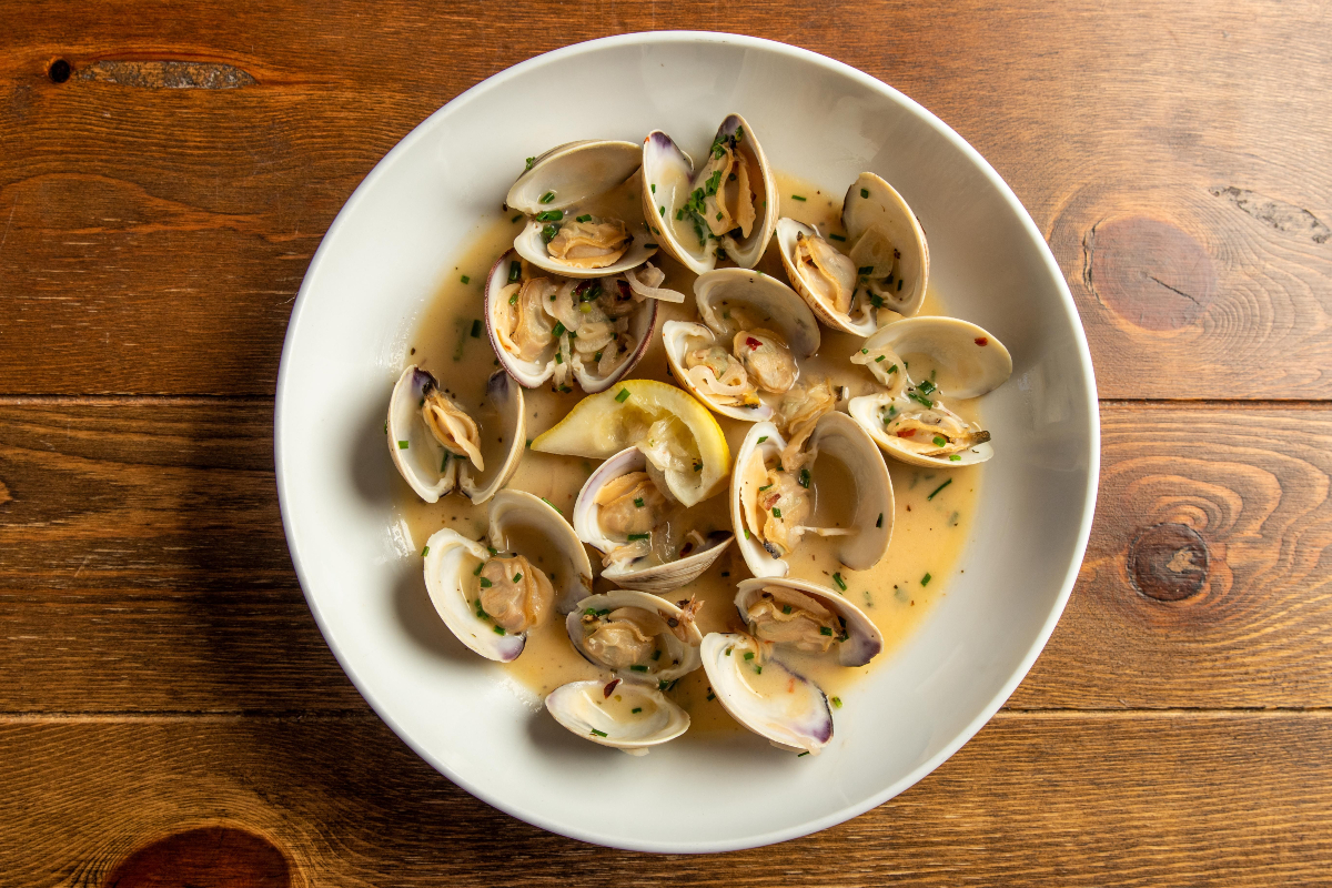 Hook & Anchor  Clam Dish